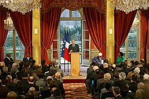 日仏首脳会議・晩さん会で国際連帯税が議論される(5月5日)