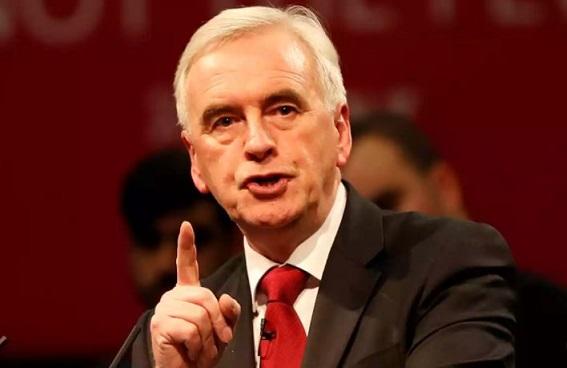 ダボス会議:英国影の財務相、金融取引税など「不快なメッセージ」発言